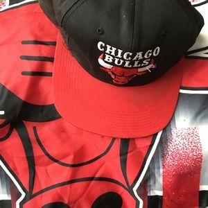 2058b9c41e7e2 STARTER Accessories - Vintage Retro Chicago Bulls Starter Snapback USED